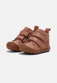 Bisgaard - GERLE UNISEX - Baby shoes - nude - 1