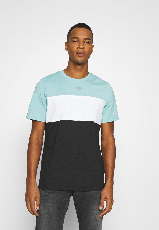 PANEL TEE - T-shirt imprimé - blue