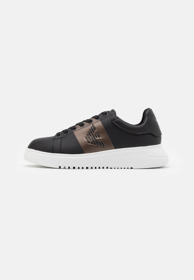 Sneakers - black/bronze