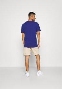 adidas Originals - 3 STRIPE TEE - T-shirts print - victory blue/black - 2