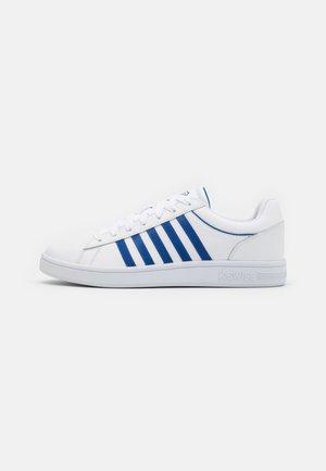 COURT WINSTON - Zapatillas - white/classic blue