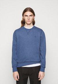 Polo Ralph Lauren - FLEECE CREWNECK SWEATSHIRT - Sweatshirt - derby blue heather - 0