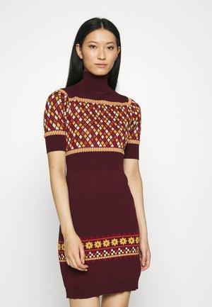 TURTLENECK DRESS - Jumper dress - bordeaux