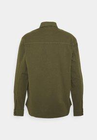 Minimum - TOBI - Camicia - olivine - 1