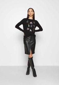 Fashion Union - CHRISTMAS CONVERSATIONAL - Jumper - black - 1