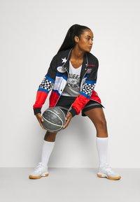 Nike Performance - FLY PRINT - Top - white/black - 1
