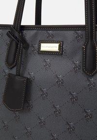 U.S. Polo Assn. - HAMPTON SHOPPING BAG PRINTED - Tote bag - black - 3