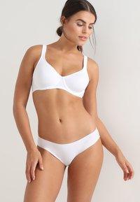 DORINA CURVES - LINDSAY NON PADDED BRA - Beugel BH - white - 1