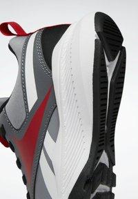 Reebok - XT SPRINTER 2.0 ALTERNATE ENERGY DRIVERS RUNNING - Sneakers basse - grey - 5