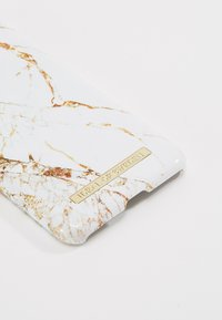 iDeal of Sweden - FASHION CASE IPHONE X/XS MARBLE - Handytasche - carrara/gold-coloured - 2