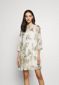 Vero Moda - VMWONDA TUNIC - Day dress - birch - 0