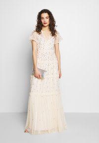 Needle & Thread - RUFFLE GLIMMER GOWN - Abito da sera - off-white - 1