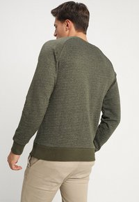 Jack & Jones - JORHIDE CREW NECK - Collegepaita - forest night - 2