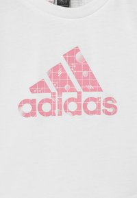 adidas Performance - Camiseta estampada - white
