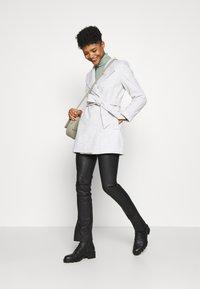 Forever New - VIVIENNE SHORT WRAP - Short coat - grey marle - 1
