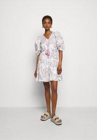 Bruuns Bazaar - POSY OLIVINE DRESS - Day dress - snow white - 1