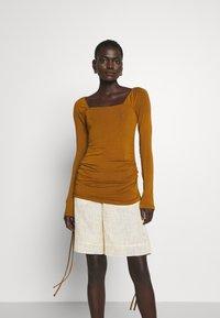 Rejina Pyo - MIRA TOP - Long sleeved top - brown - 0
