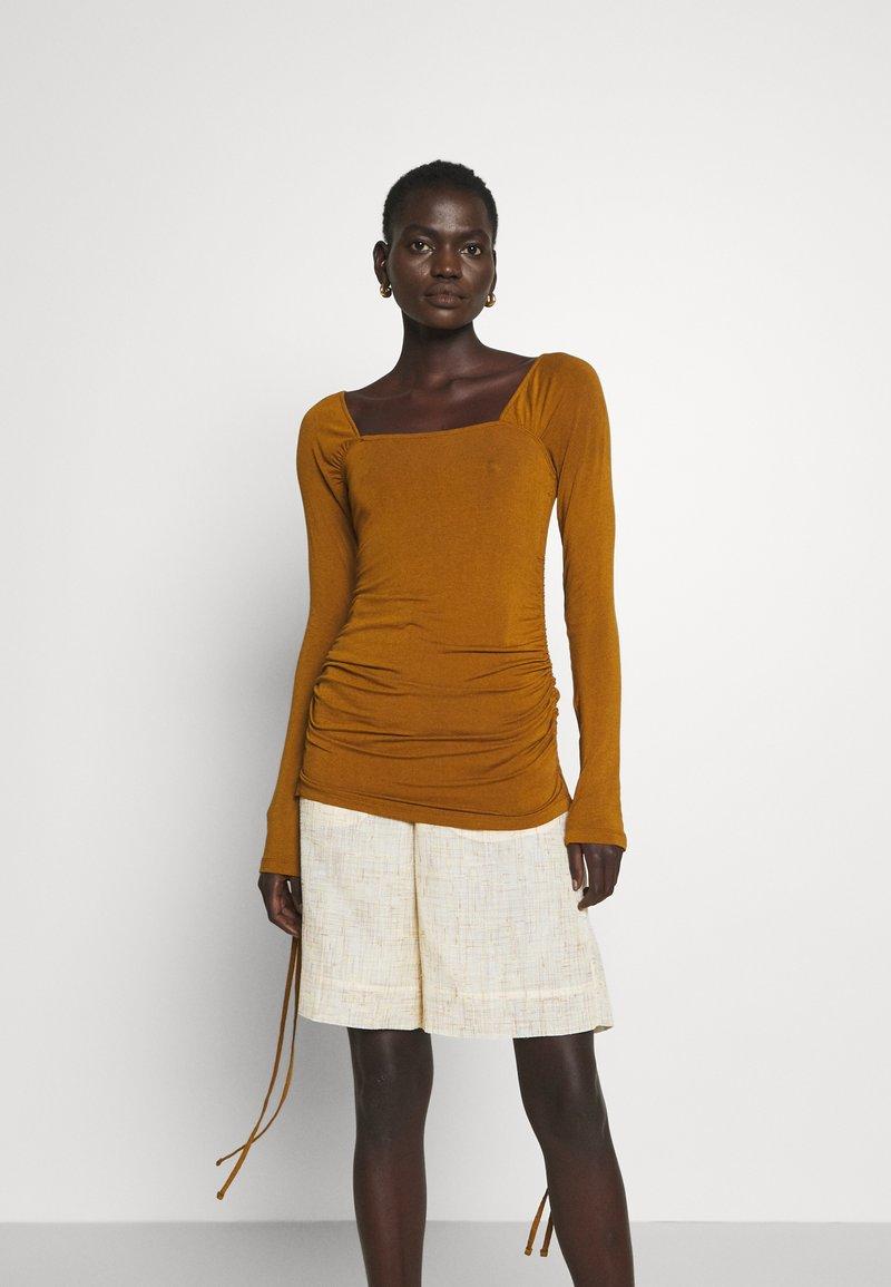 Rejina Pyo - MIRA TOP - Long sleeved top - brown