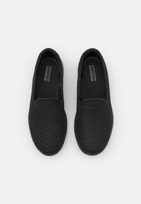 Skechers Performance - GO WALK 6 - Sportieve wandelschoenen - black - 3