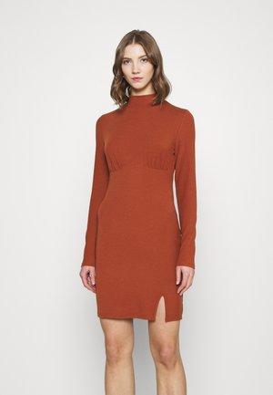 LONG SLEEVE DRESS - Shift dress - rust