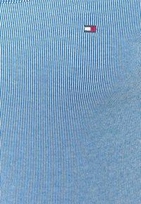 Tommy Hilfiger - SLIM VERTICAL OPEN - Basic T-shirt - blue - 2