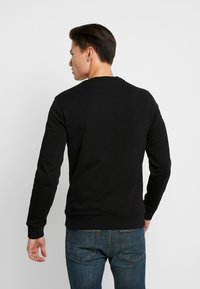 Lyle & Scott - CREW NECK - Felpa - jet black - 2