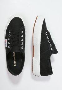 Superga - 2750 COTU CLASSIC UNISEX - Sneakersy niskie - black/White - 1