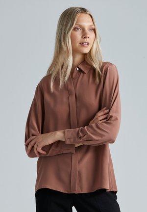 Button-down blouse - cognac