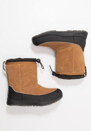 KIRBY WP - Snowboots  - chestnut