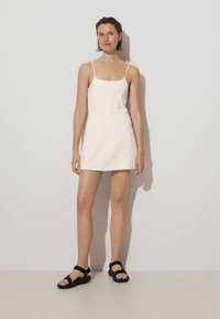 OYSHO - Robe d'été - off white - 1