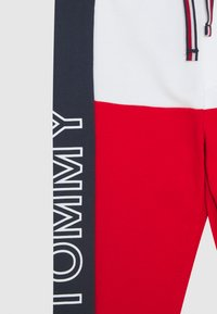 Tommy Hilfiger - BABY COLORBLOCK - Broek - blue