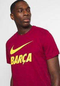 Nike Performance - FC BARCELONA TEE GROUND - Funktionströja - noble red - 3