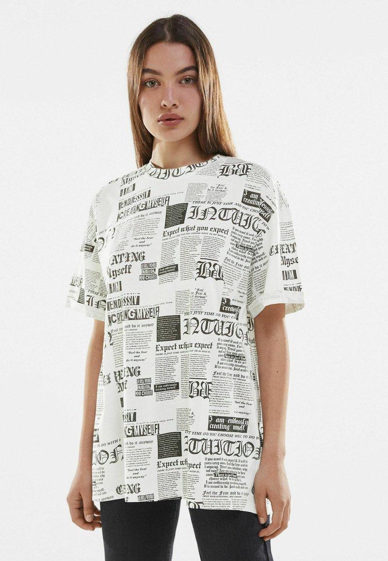 Bershka - Print T-shirt - off-white