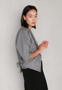 jeeij - BATWING  - Blazer - light grey - 7