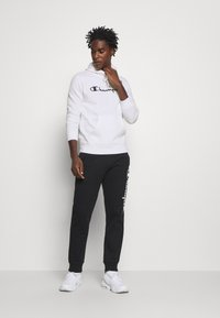 Champion - LEGACY HOODED - Hoodie - white - 1