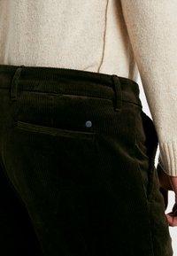 NN07 - KARL  - Pantalon classique - army - 3