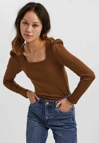 Vero Moda - NATASHA  - Long sleeved top - brown - 0