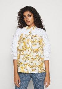 Versace Jeans Couture - Button-down blouse - bianco ottico - 0