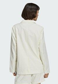 adidas Originals - TENNIS LUXE BLAZER ORIGINALS JACKET - Blazer - off white - 1