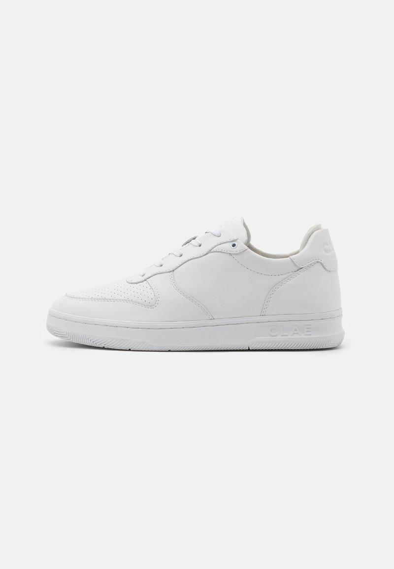 Clae - MALONE UNISEX - Sneakersy niskie - triple white