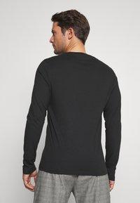 Pier One - 2 PACK - Long sleeved top - white/black - 3