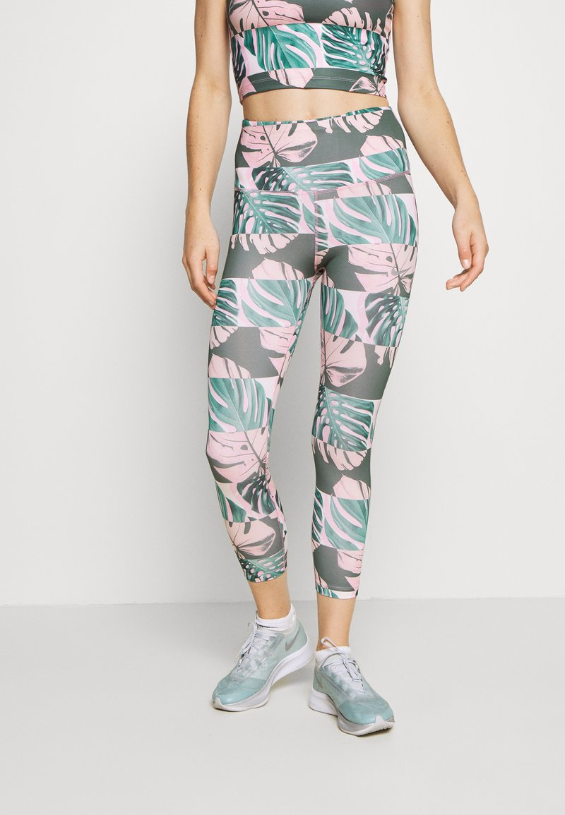Nike Performance - FAST CROP RUNWAY - Leggings - pink