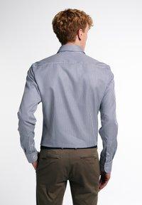 Eterna - SLIM FIT - Formal shirt - marine/weiß - 1
