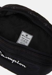 Champion - LEGACY BELT BAG UNISEX - Rumpetaske - black - 4