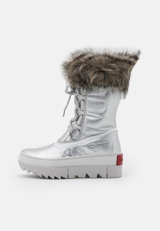 JOAN OF ARCTIC NEXT METALLIC - Stivali da neve  - silver