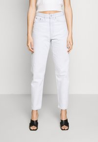 Weekday - LASH EXTRA HIGH MOM ECHO - Jeans Tapered Fit - bleached blue - 0