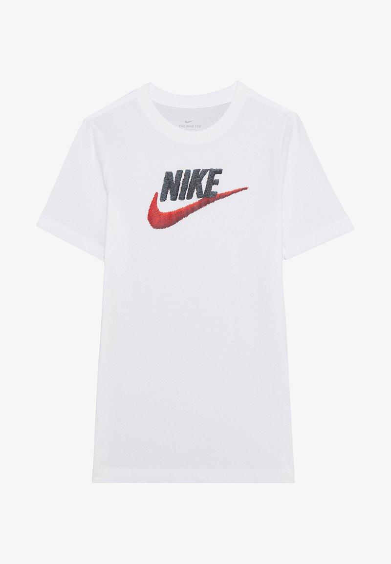 Nike Sportswear - TEE FAUX EMBROIDERY - Triko spotiskem - white