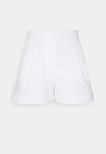 EYELET PLEATED - Shorts - white