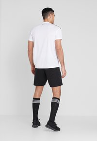adidas Performance - CORE ELEVEN PRIMEGREEN FOOTBALL 1/4 SHORTS - Pantalón corto de deporte - black/white - 2