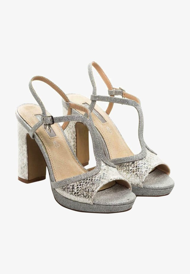 Sandalias con plataforma - gris